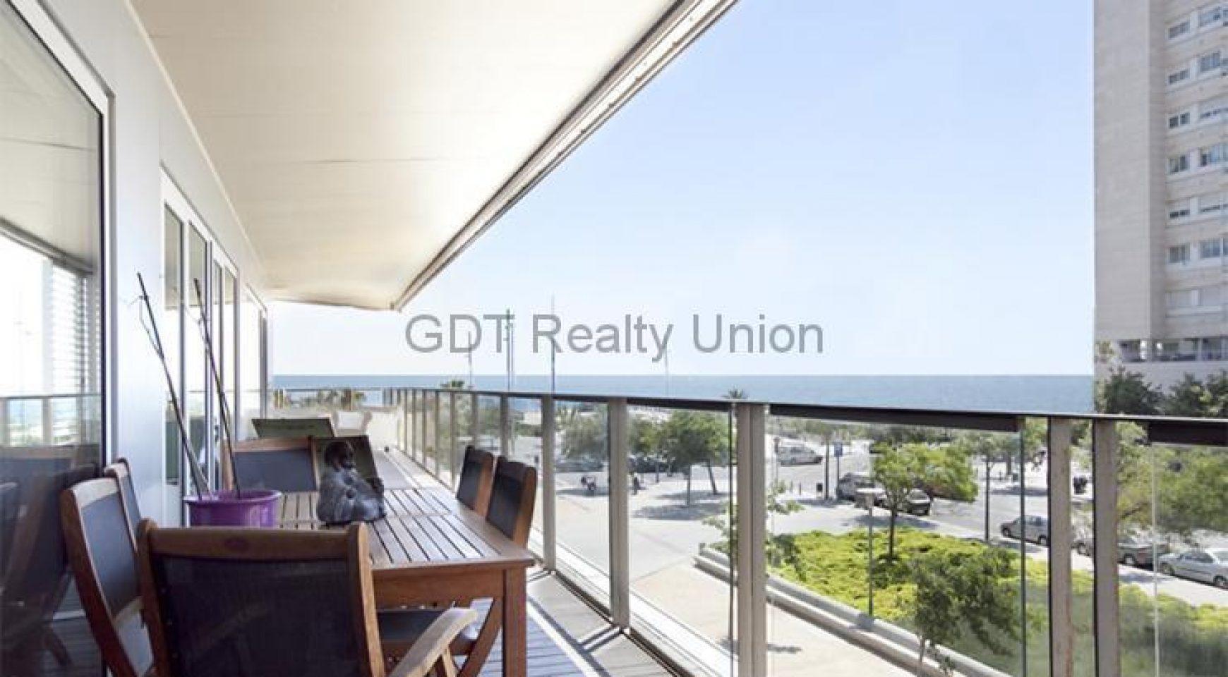 Piso a 100 metros de la playa con licencia turistica gdt realty union - Piso con licencia turistica barcelona ...