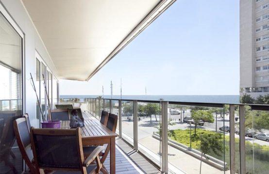 Precioso Piso con terraza a 100 metros de la playa