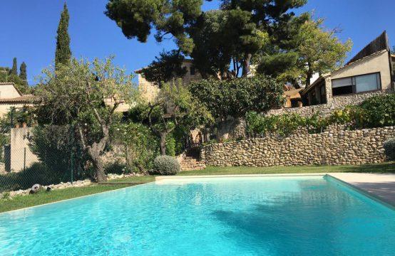 Preciosa masia con viñedos Les Gunyoles
