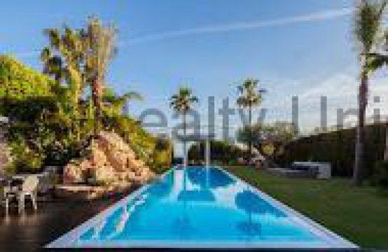 Exclusiva villa en Sitges Lujo y diseño para amantes de lo exquisito