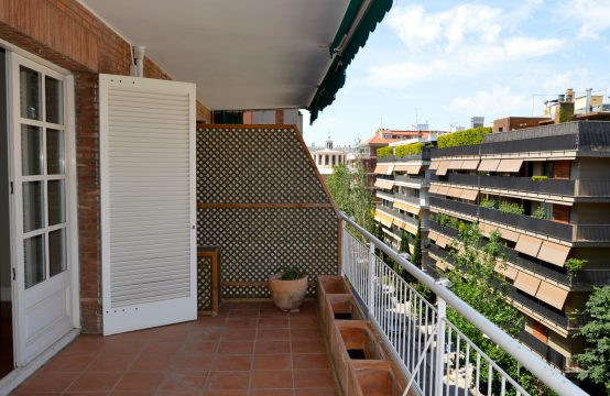 Bonito piso con terraza zona Turo Parc