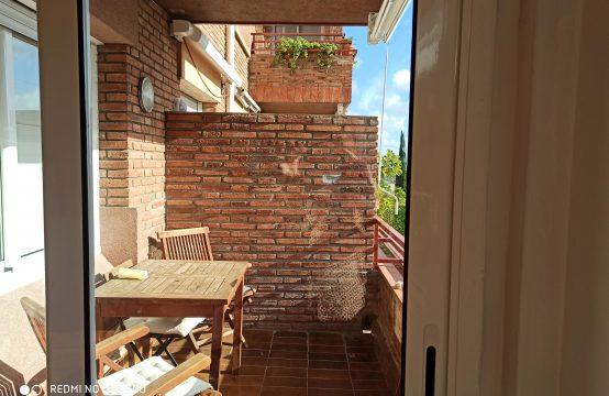 Piso con terraza en Putget