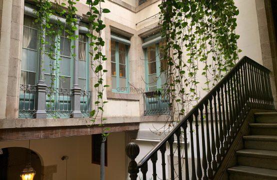 Piso reformado en un Palacete del Barrio Gótico