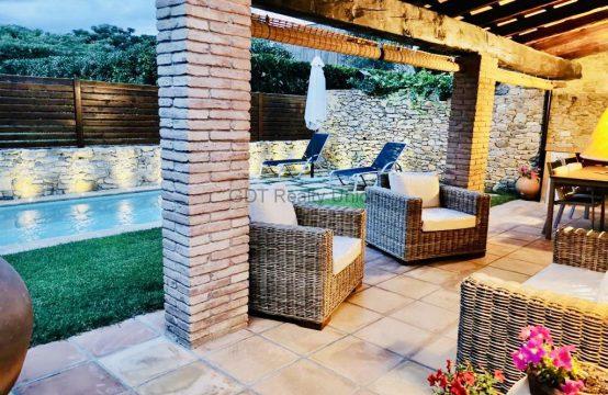 Encantadora casa con piscina en Peratallada