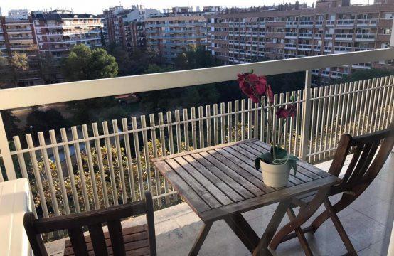 Bonita 9ª planta con terraza y vistas en Les Corts