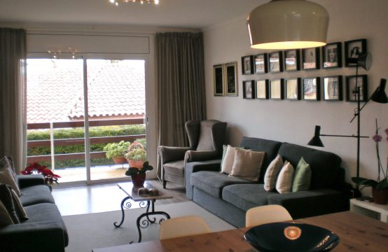 Bonito piso con terraza a poco minutos de Sitges y playas