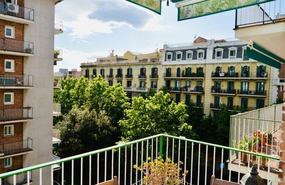 Bonito piso alto con dos terrazas